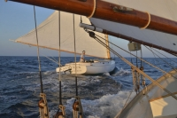 28' Hanley - with Schooner - Website